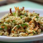 Insalata di quinoa con ratatouille di verdure, primo sale e salsa allo yogurt